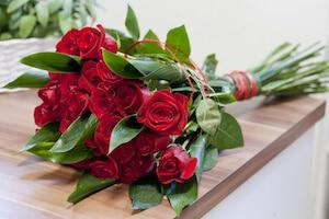 Die Rosen stehen für Liebe