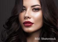 Rote Lippen lassen Frauen erwachsener  wirken